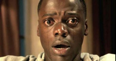 get out 920x584 1 15 فیلم برو بیرون / Get Out
