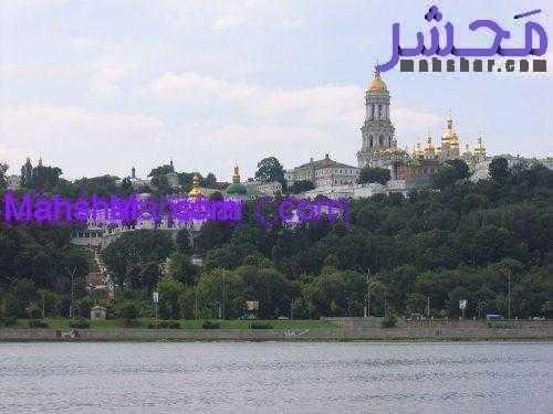 1024px 2005 08 15 Pechersk Lavra seen from river Dnepr Kiev 311 500x375 1 35 اوکراین، همه چیز در رابطه باسفر به اکراین