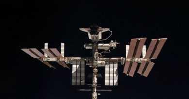 فضا 14 تور 30 روزه به فضا با ترانسفر و غذا!