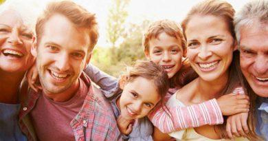 نحوه ارتباط با خانواده همسر با 11 نکتهای که پایههای زندگیتان را محکم میسازد