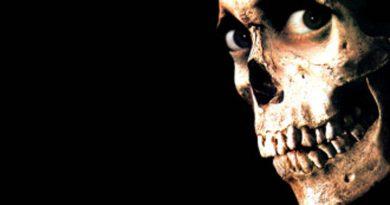 فیلم شیطان مرده ۲ / Evil Dead 2
